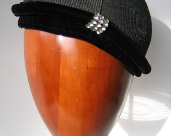 Elegant 50s Black Cocktail Cap/Hat, Straw with Velvet. Great Condition.