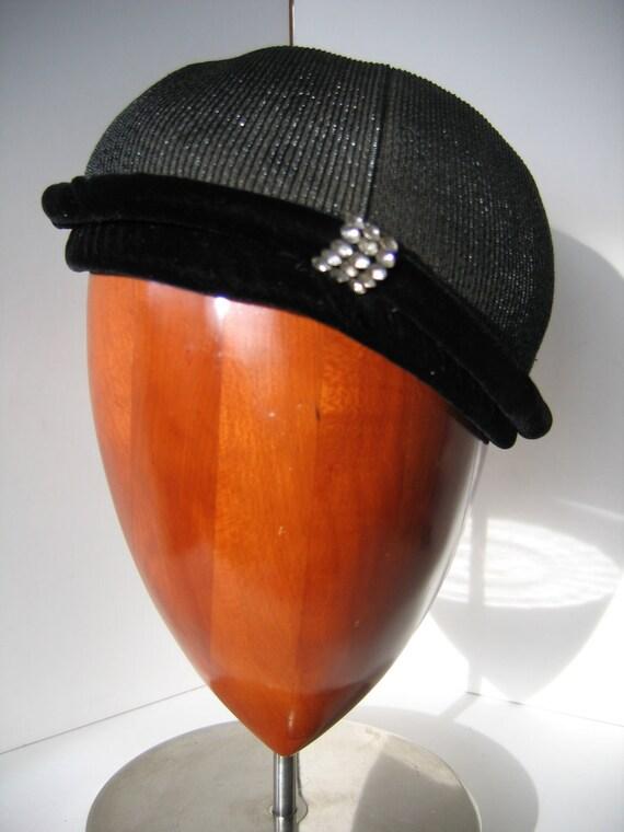 Elegant 50s Black Cocktail Cap/Hat, Straw with Velvet. Great Condition.