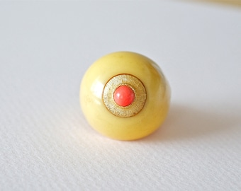 1960s Ivory Color Plastic Oval Ring with Coral Accent