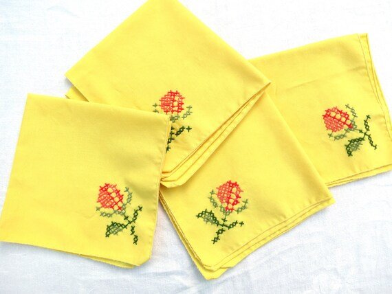 """Vintage Table Napkins - Butter Yellow with Embroidered Flower - Four 14"""" Napkins"""