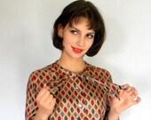 SALE Vintage Couture Tie Blouse. Authentic 50s Silky Blouse. Mad Men Tie Blouse Autumn Colors.  Silky Blouse Brown Red. Diamond Print