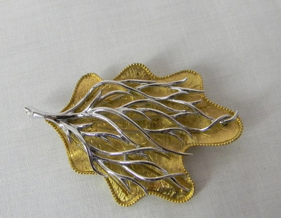 Coro Leaf Pin Vintage Two Tone  Silver and Gold Three Dimensional Pin. Wearable Art