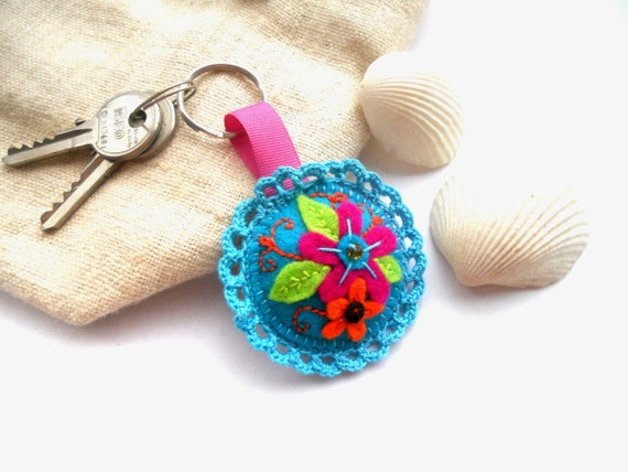 Felt bag charm, embroidered keychain keyring or zipper pull Bright floral keyring Spring Summer accessory