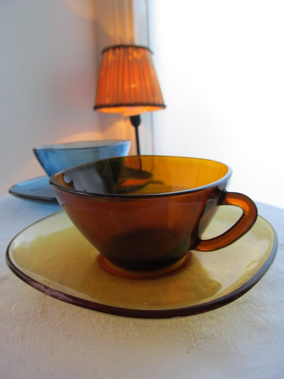 Vintage Teacup Blue and Brown in glass