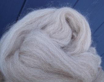 British Produced 100g Wool/Alpaca Fibre Homegrown. Ready to spin or felt.