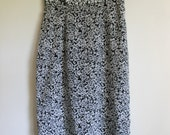 Vintage 90s Black and White Floral Print Skirt / Rose Print Unlined Casual Polyester high-waist Skirt