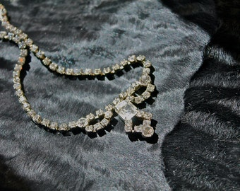 Viva Las Vegas Rhinestone necklace: Sparkling Vintage Rhinestone Bow Necklace 1940's-50's