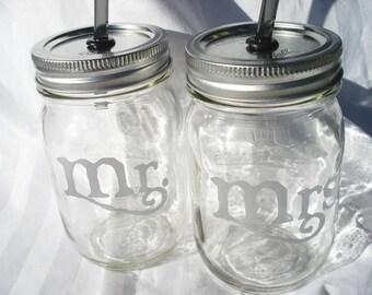 WEDDING Mason Jar TOASTING Glasses Bride and Groom Mason Jar Wedding Drinks Outdoor Wedding you choose Color and Reusable Straws 16 oz