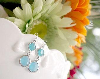 Aqua Blue Bridesmaid Earrings - Ocean Blues Earrings in Silver - Blue Tones on Sterling Earwire - Blue Drop Earrings