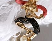 Seductive Spanish Male Dancer Vintage Brooch --- Olé, ladies...