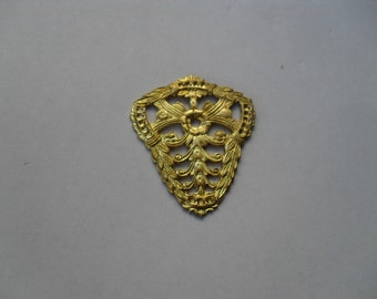 2 Vintage Brass Filigree Shield Stamping    (large)    t-31
