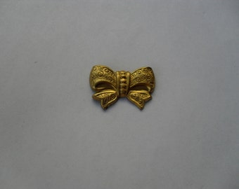 2 Vintage Brass Short Bow Stamping    ...   B - 6