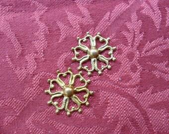 2 Vintage Brass Flower Outline Stamping