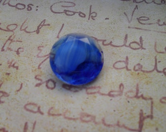 1 Vintage Glass Blue Round Faceted Jewel
