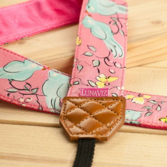 Camera Strap - London in Pink for DSLR and Mirrorless Cam Brown Tag (Pink)