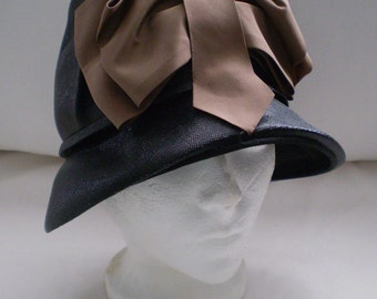 VOGUE VIXEN Vintage Evelyn Model Hat