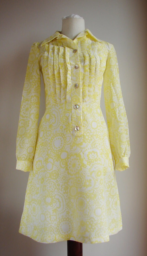 1960s Yellow White Floral Print Mid Length Collar Day Dress Size Small / Medium