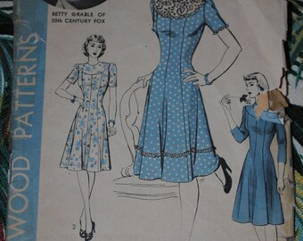 Hollywood 830 - Betty Grable Dress pattern 1940s - Size 14 Bust 32