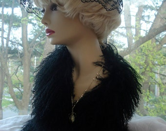 A Retro Birdcage Veil/ Vintage Style Chapel Veil/ Classic Lace Headcovering For Holy Mass.