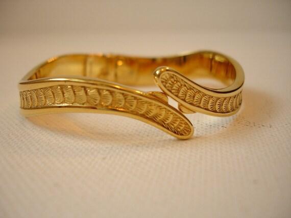 Vintage 1960 Gold Monet Hinged Cuff Bangle Bracelet