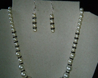 Black n White handmade beaded necklace and matching earings