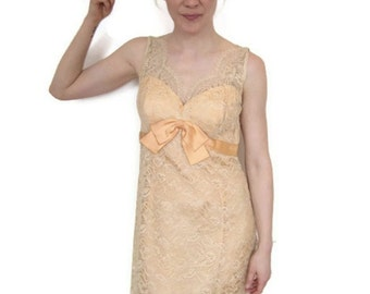 Vintage 1950's Cream and Peach Lace Sleeveless Short Dress gt