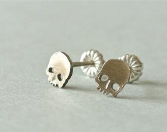 Skull Earrings, silver stud earring