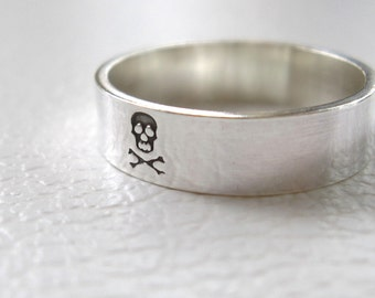 Simple Skull Ring, Silver Band