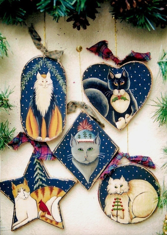 The 'Five Cats of Christmas' Ornament or Gift Tag E-Pattern by Donna Atkins. A DIY Painting Craft.