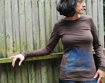 SALE - Graphic tee for women, womans tops tshirts, silkscreen womens t-shirt, womens tees - S-L, brown long sleeve, double deco