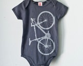 VITAL BICYCLE ONEPIECE Infant gray bike on dark grey