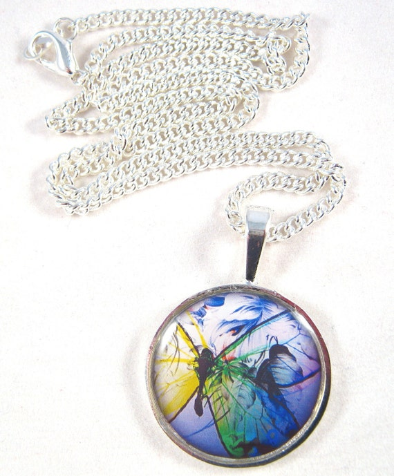 Butterfly Necklace, Resin Pendant, Butterfly Image, Epoxy Resin, Silver Chain, Butterfly Jewelry, Silver Jewelry, Resin Jewelry, Gift
