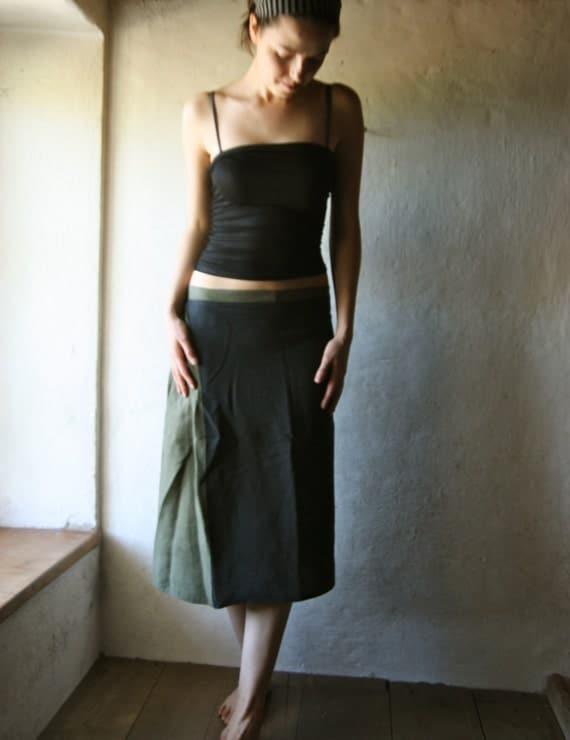 Linen skirt in black and Green - kneel length aline pleated skirt