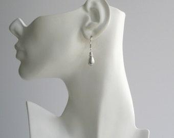 Gray Pearl Teardrop Earrings, Pearl Leverback Earrings, Bridesmaid Jewelry, Grey Pearl Jewelry, Wedding Party Gift, Teardrop Earrings