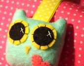 Owly Love Keychain - Eco-friendly Felt Plush Owl Keychain