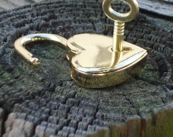 Gold Heart Shape Padlock, working with keys, Made in ITALY, can now be engraved!!