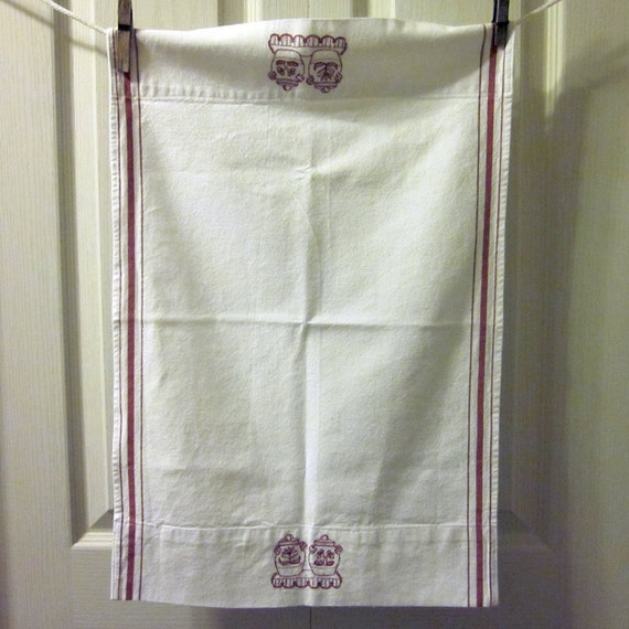 Vintage Tea Towel/ Dish Towel - Red and White Cotton