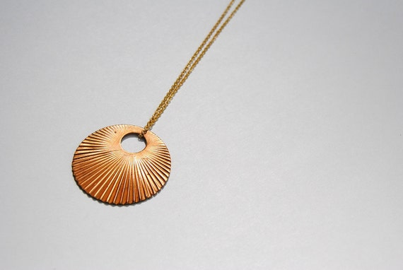 Sunburst Circle Necklace - FREE US Shipping