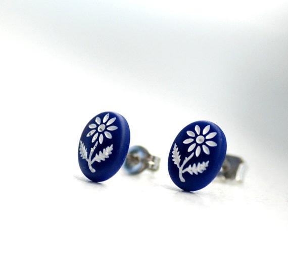 Stud Post Earrings, Blue Studs, Simple Earrings, Small Earrings, Flower Earrings, Navy Blue and White Daisies, Steel Posts