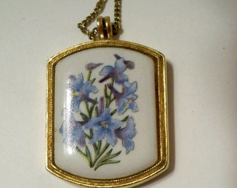 Avon Pendant Necklace, Avon Floral Heritage Collection,  Avon Flower of the Month,  Blue Flowers on White Enamel & Gold Frame on Gold Chain