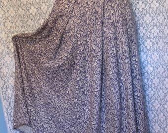 Vintage Blue and White Modest and Feminine Pleated Skirt sz 10