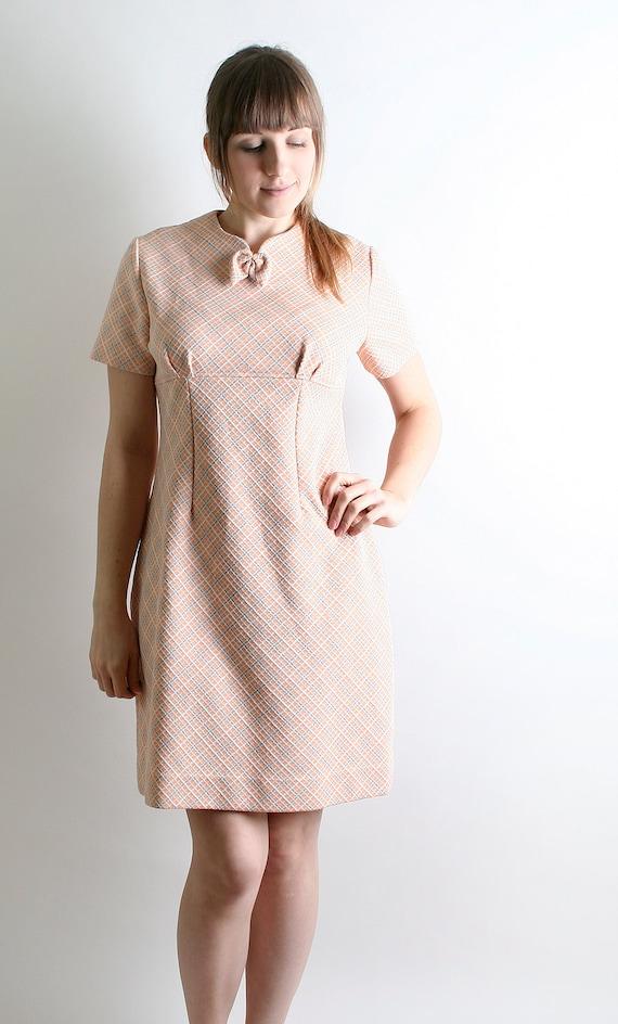 Vintage 1960s Dress - Pale Plaid Blush Pink - Medium Autumn Fall Fashion