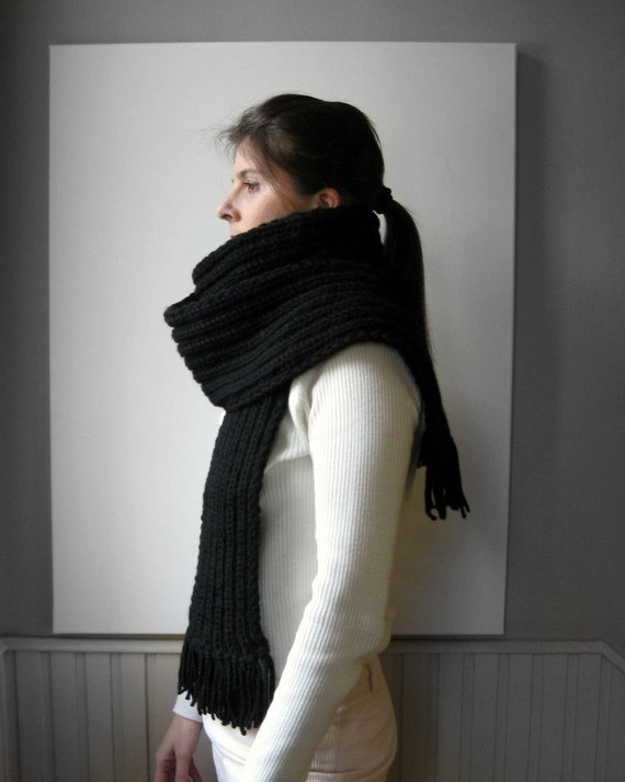 Chunky Scarf Knitted in Black Blend Wool