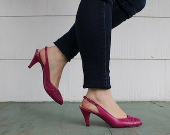 size 8, vintage Bright Magenta New Wave Slingback Pumps, Hollywood Designer David Evins