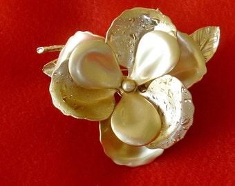 Large Vintage Dimensional Flower Brooch
