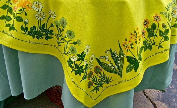 REDUCED Vintage SWEDISH PROVINCES Tablecloth Topper Wildflowers