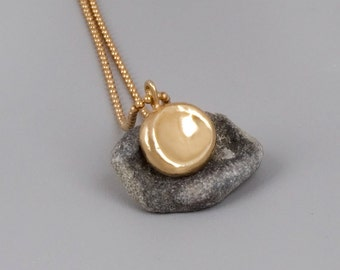 Dainty Necklace Gold, Gold Pebble Necklace, Small Disc Necklace, Gold Layered Necklace, Thin Necklace, Minimal Necklace, Delicate Necklace