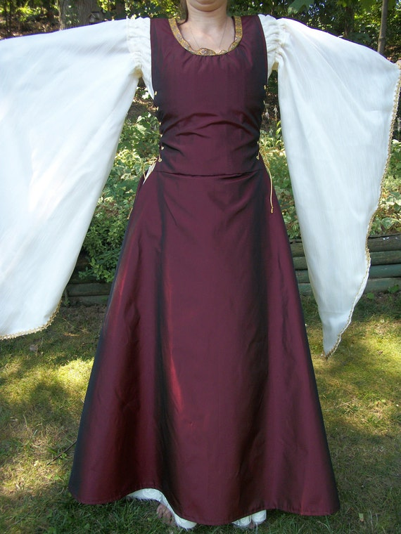 Custom made 6 piece Renaissance Medieval gown and overdress with lace up sides, arm gauntlets and flowing sleeves