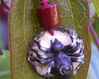Halloween Jewelry Pendant Mother Spider Ceramic Necklace