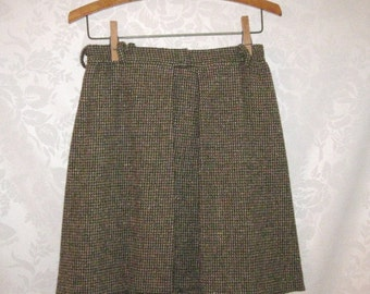 Sweet Pleat Olive Green Wool Skirt Size Small Vintage 70s